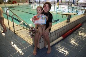 Su 17-Mar-2013: Danique got her next national swimming diploma (certificate) B.